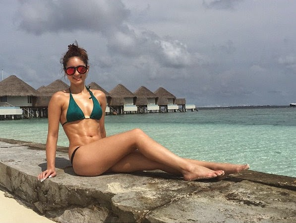 Coleen Garcia Shows Off Gorgeous Bod in Maldives!