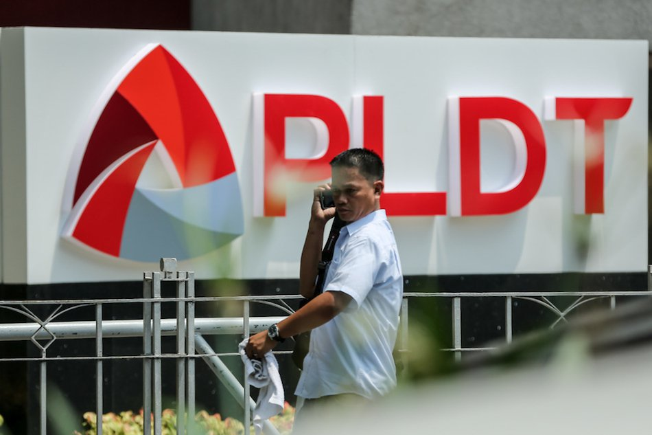 Duterte Threatened to Shut Down PLDT if it does not improve services for the 8888 hotline