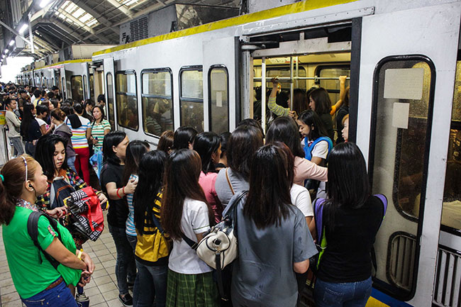 MRT and LRT banned liquids in trains and stations