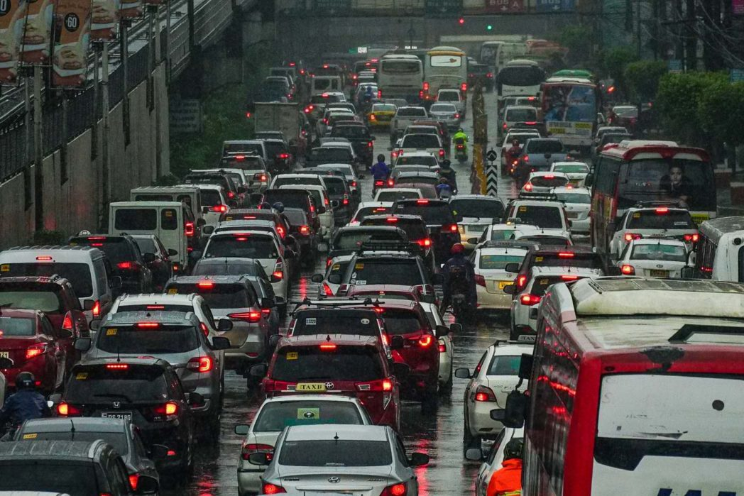 EDSA traffic dilemma, could this be solved?